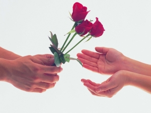 giving_flowers-1024x768